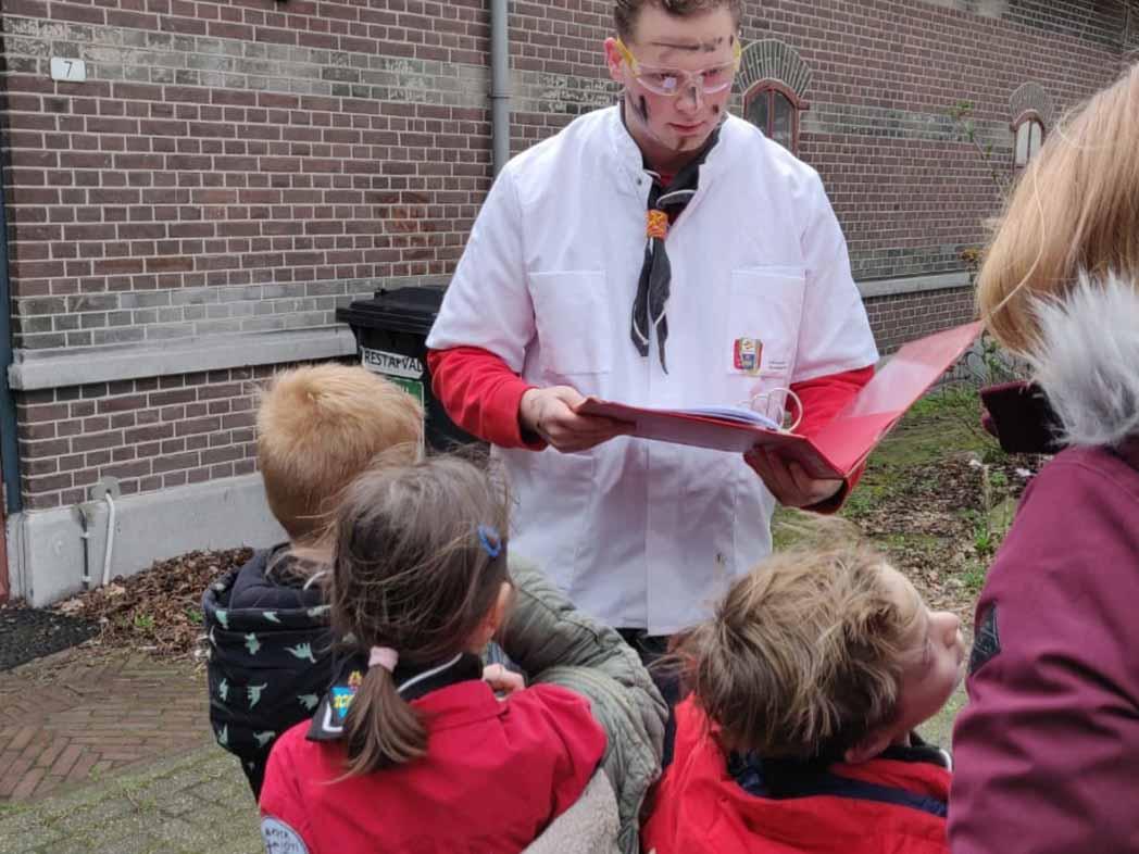 Fantasie, belangrijk voor alle meisjes en jongens van 4 tot 7 jaar. Scouting in Schiedam